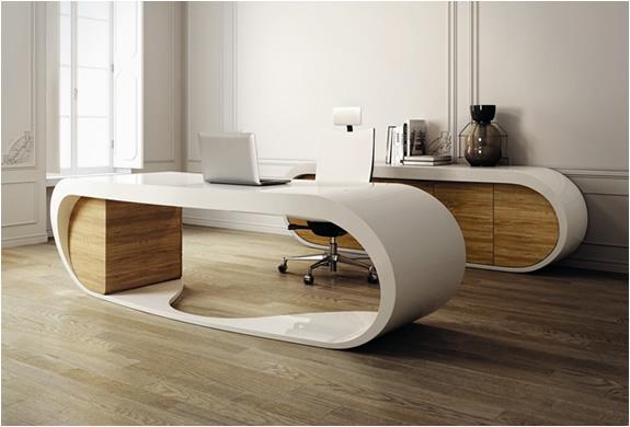 Goggle Desk | By Danny Venlet | Image