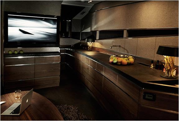 img_hedonist_yacht_artofkinetik_5.jpg | Image