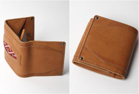 img_hobo_camel_leather_wallet_2.jpg | Image