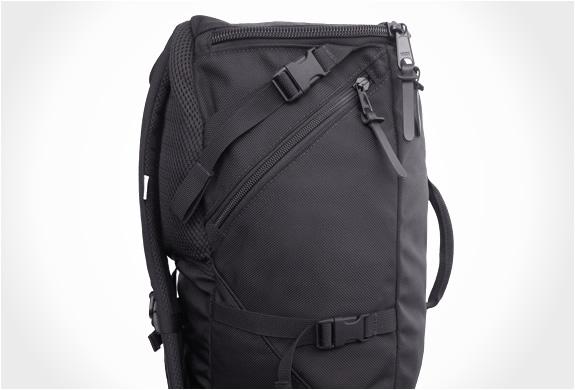 img_ignoble_lenore_capsule_backpack_2.jpg | Image