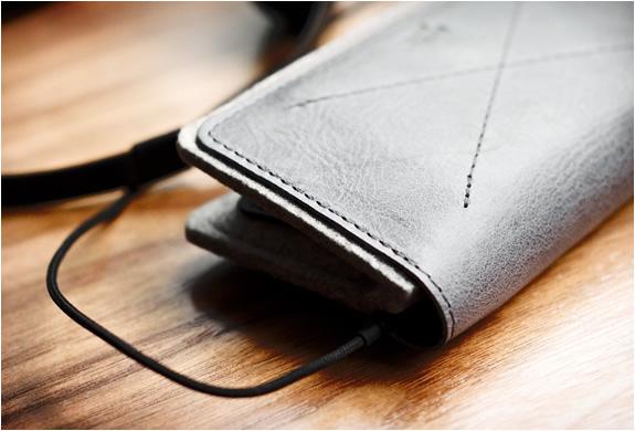img_iphone_fold_wallet_hard_graft_5.jpg | Image