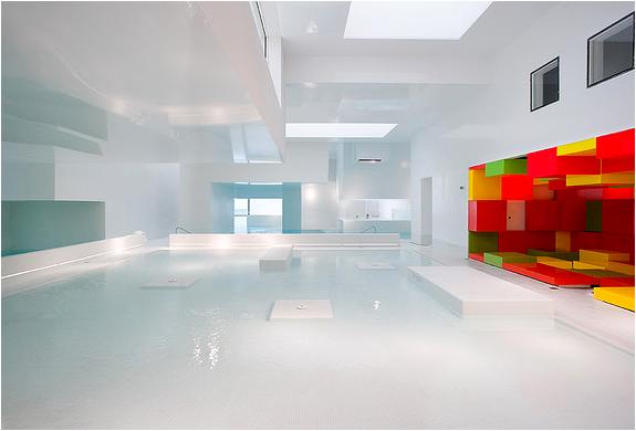 Les Bains Des Docks | Modern Swimming Complex | Image