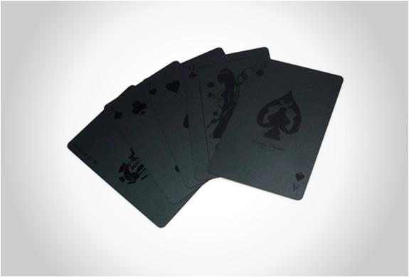 img_monochromatic_deck_cards_2.jpg | Image