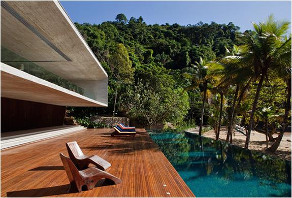 PARATY HOUSE BRASIL | BY MARCIO KOGAN | Image