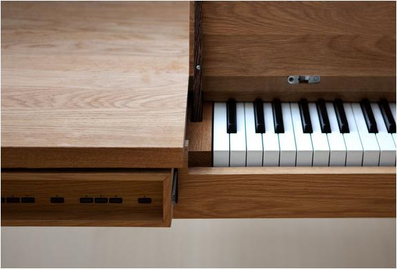 img_pianotable_2.jpg | Image