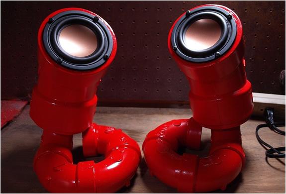 img_red_lobster_speakers_2.jpg | Image