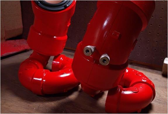 img_red_lobster_speakers_3.jpg | Image
