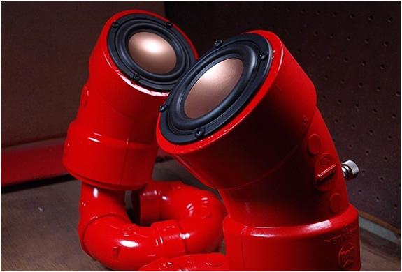 img_red_lobster_speakers_4.jpg | Image