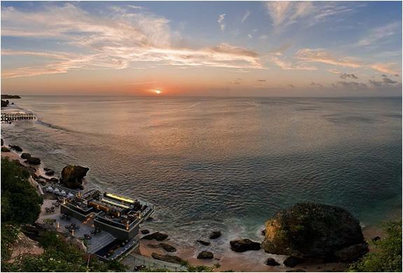 img_rock_bar_ayana_resort_2.jpg | Image