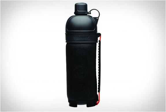 img_stanley_nineteen13_drink_bottle_2.jpg | Image
