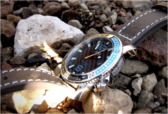 img_stolas_harbormaster_spinnaker_watch_2.jpg | Image