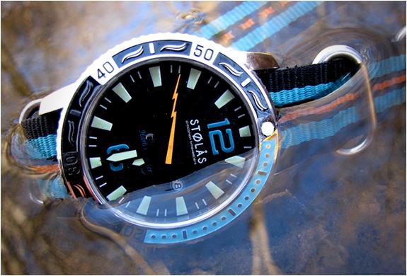 img_stolas_harbormaster_spinnaker_watch_3.jpg | Image