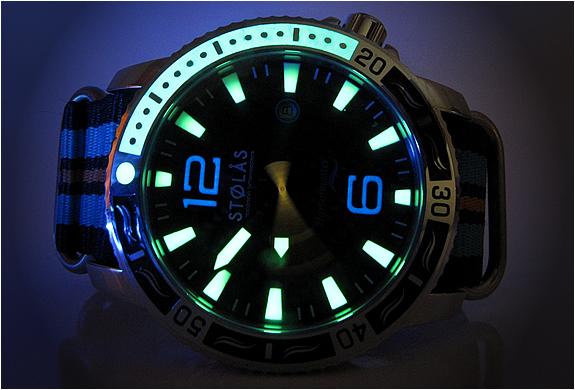 img_stolas_harbormaster_spinnaker_watch_5.jpg | Image