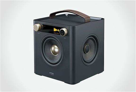 img_tdk_sound_cube_4.jpg | Image