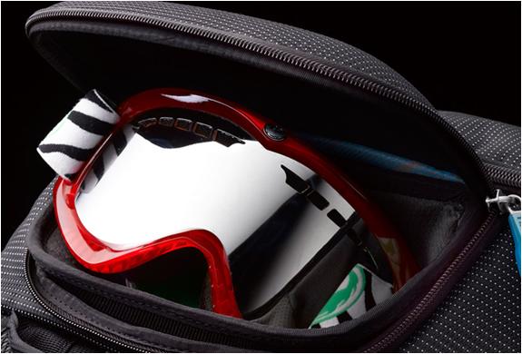 img_thule_backpack_3.jpg | Image