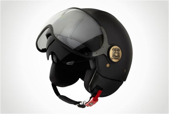 img_trussardi_1911_momodesign_helmet_2.jpg | Image