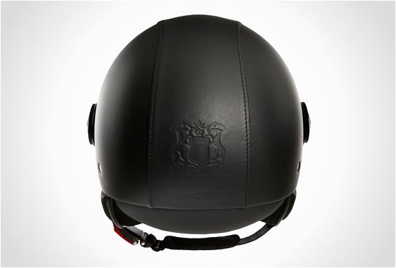 img_trussardi_1911_momodesign_helmet_3.jpg | Image