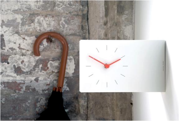 img_twice_twice_analog_clock_4.jpg | Image