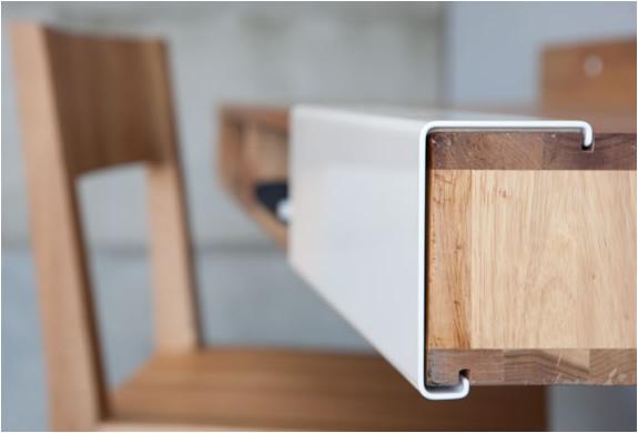 img_wall_mounted_desk_3.jpg | Image