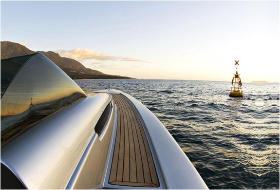 img_zonda42_boat_3.jpg | Image