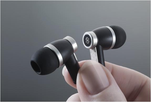 ZUNE PREMIUM HEADPHONES | Image