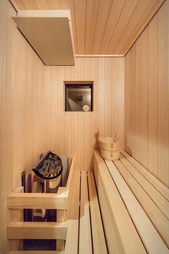 japanese-lakeside-house-11.jpg