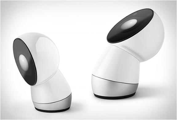 jibo-family-robot-6.jpg