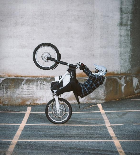 kalk-ink-electric-dirt-bike-7.jpg