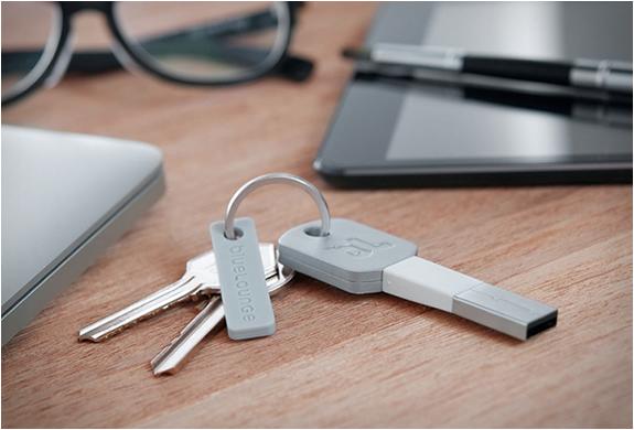 Kii | Charging Cable Keychain | Image