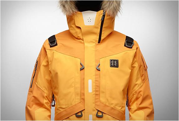 kolon-sport-life-tech-jacket-3.jpg   Image