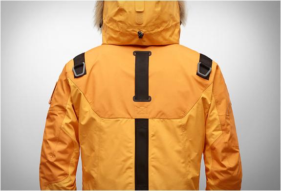 kolon-sport-life-tech-jacket-4.jpg   Image