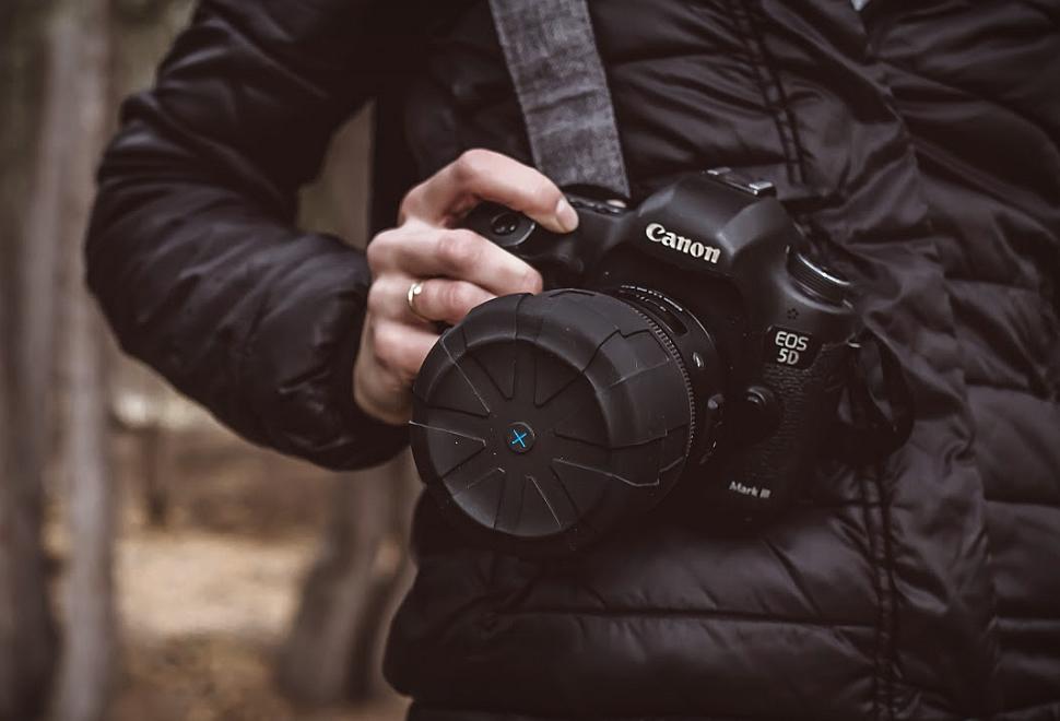 Kuvrd Universal Lens Cap | Image