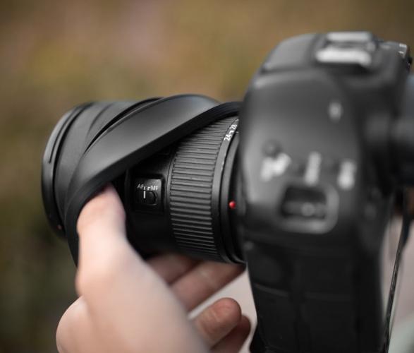 kuvrd-universal-lens-hood-5.jpg | Image