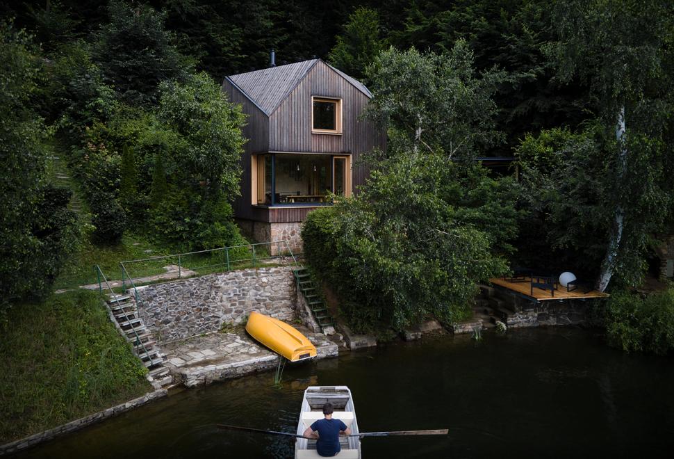 Lakeside Cabin | Image