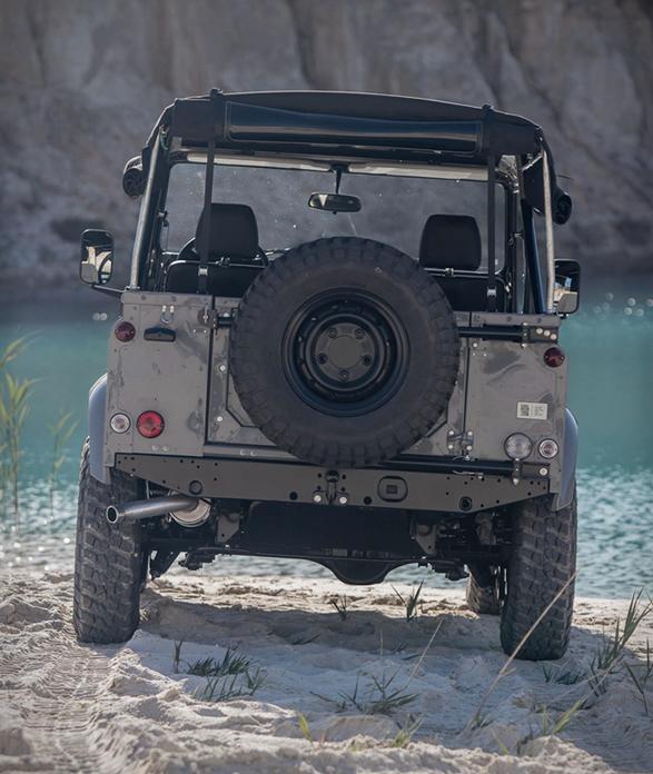 land-rover-d90-grey-4.jpg | Image