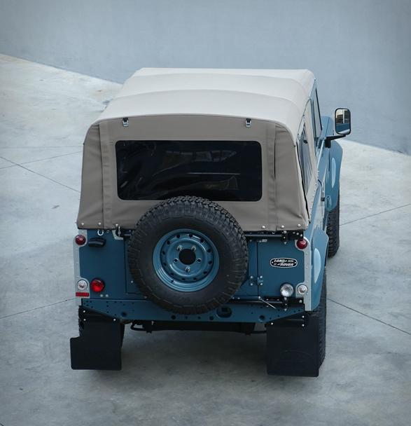 land-rover-defender-heritage-12.jpg