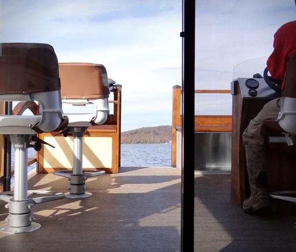 le-koroc-tiny-house-boat-7.jpg
