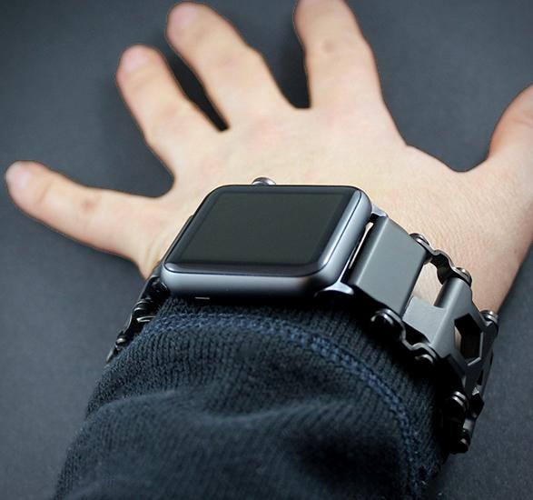 leatherman-tread-apple-watch-adapter-4.jpg | Image