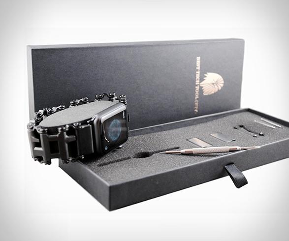 leatherman-tread-apple-watch-adapter-5.jpg | Image