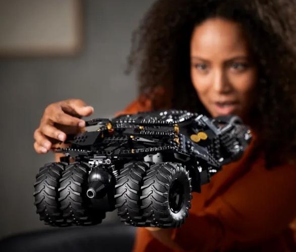 lego-batmobile-tumbler-4.jpg   Image