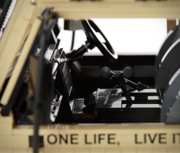 lego-land-rover-defender-110-5.jpg   Image