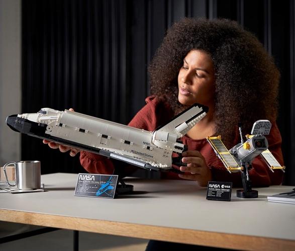 lego-nasa-space-shuttle-discovery-7.jpg
