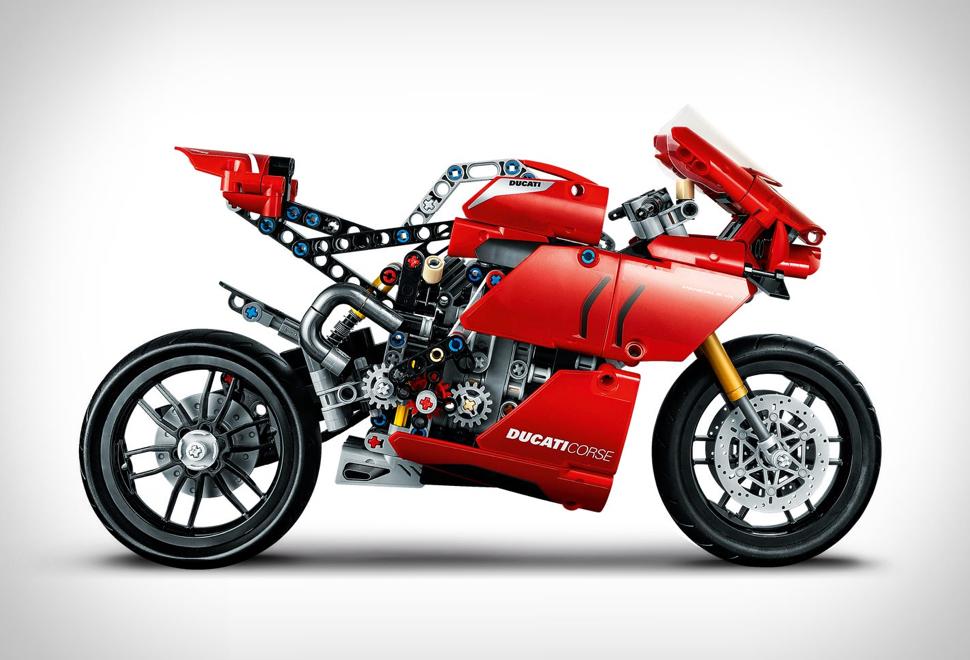 Lego Technic Ducati Panigale V4 R | Image