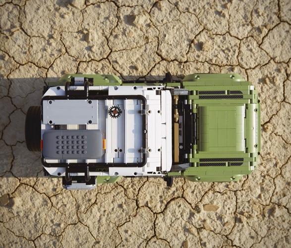 lego-technic-land-rover-defender-7.jpg