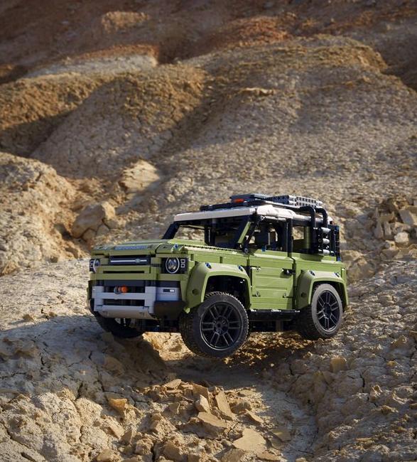 lego-technic-land-rover-defender-8.jpg