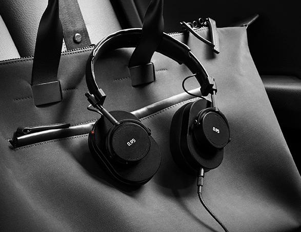 leica-master-dynamic-headphones-3.jpg | Image