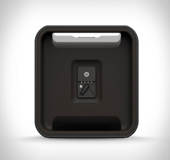 lifeproof-aquaphonics-speaker-2.jpg | Image
