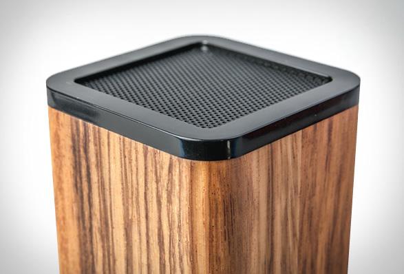 lstn-satellite-speaker-4.jpg | Image