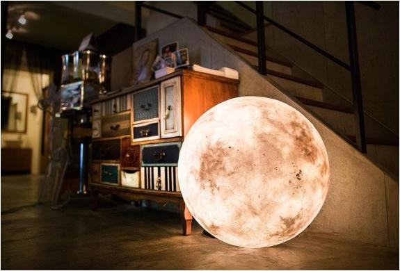 Luna Moon Lantern | Image