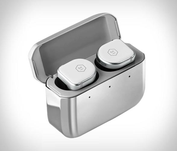 master-dynamic-mw08-earphones-4.jpg | Image